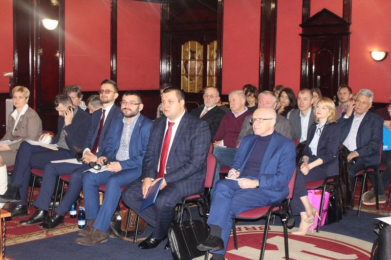 У перший день весни - конференція щодо перспектив молоді в Україні
